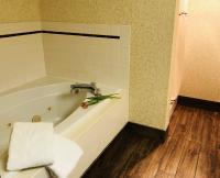 King Room Bathroom with Bathtub
