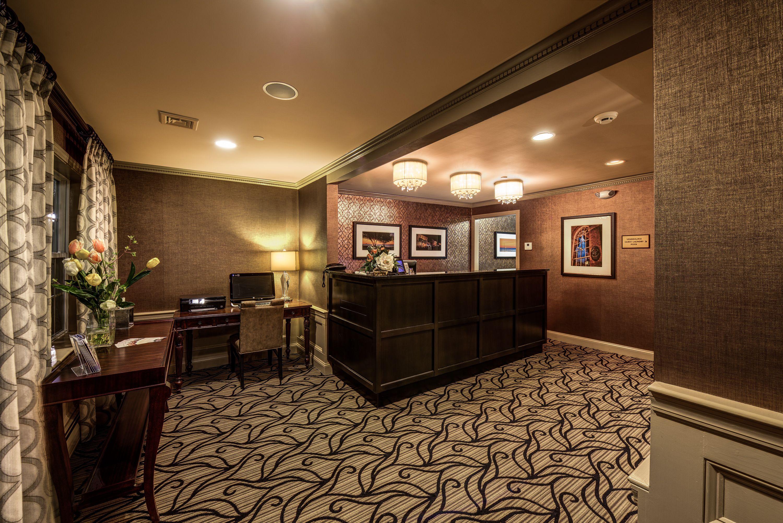 Port Inn Lobby