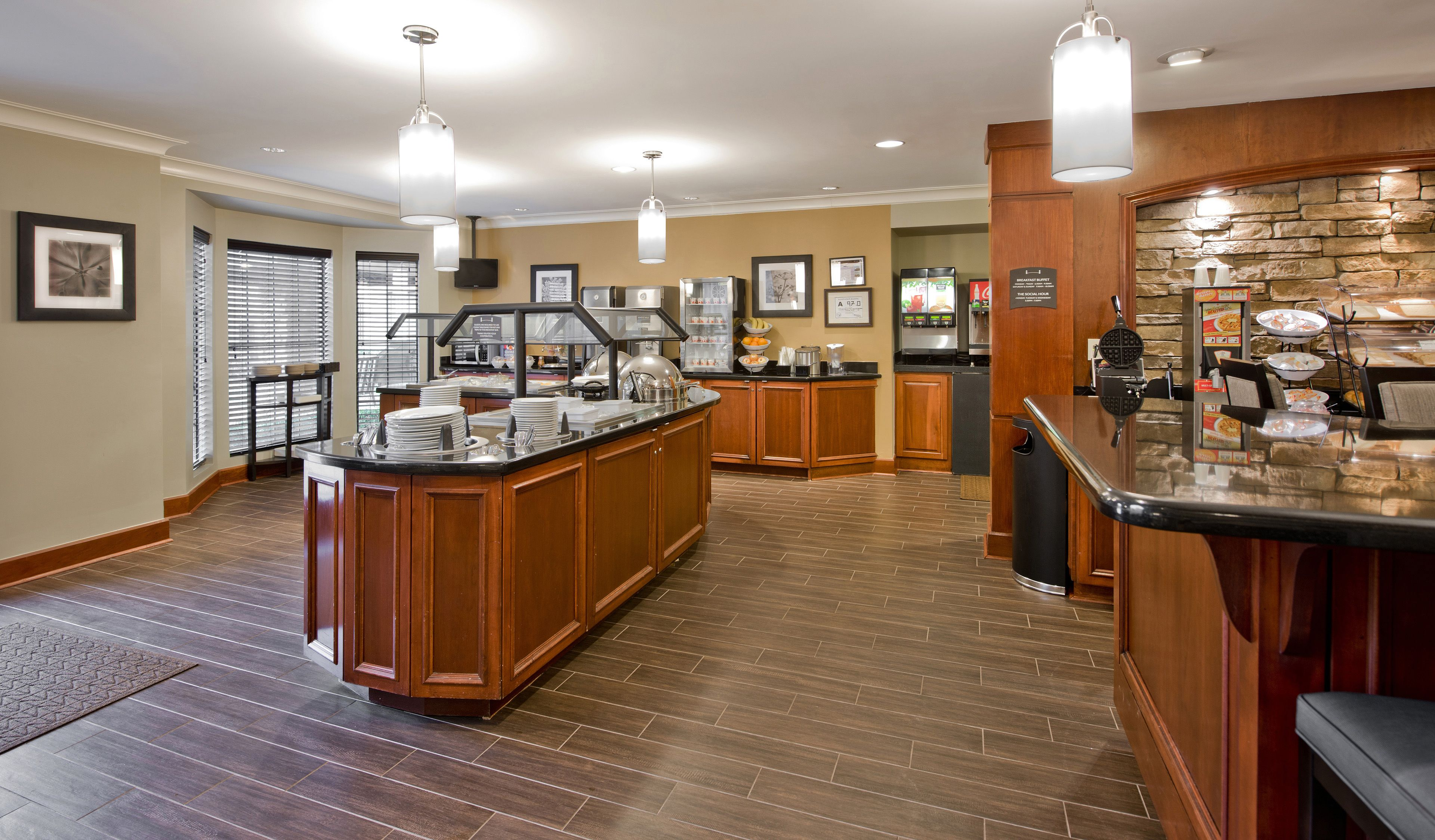 Cafe With Breakfast Buffet