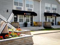 Moncton Rooms & Exterior Of