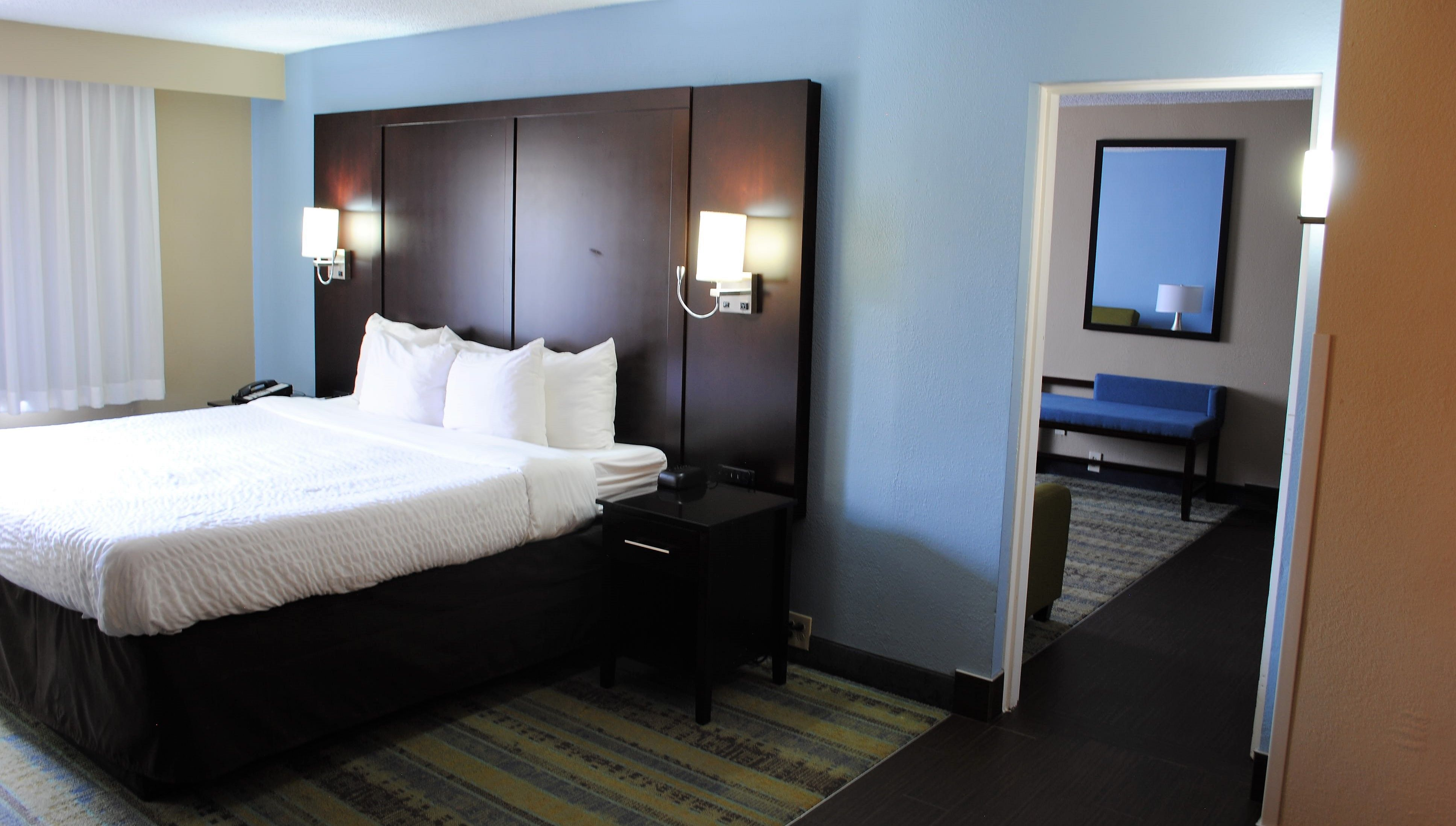 Hotel Rooms Suites In Lexington Ky Clarion Hotel North